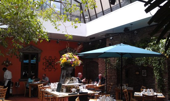 Il Cortile : Special place for lunch or dinner.