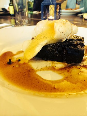 The Feathers Inn: Black Pudding with Poached Egg