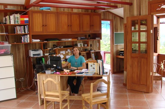 Spanish by the River - Turrialba : Office