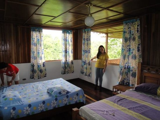 Spanish by the River - Turrialba: Private room with private bathroom
