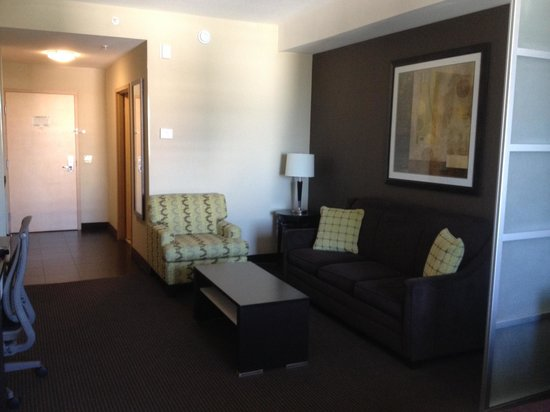 BEST WESTERN PREMIER Miami International Airport Hotel & Suites: LIVING AREA WITH PULLOUT BED