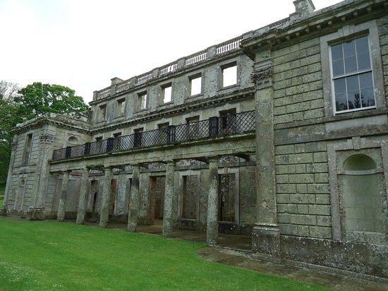 Appuldurcombe House: Side view