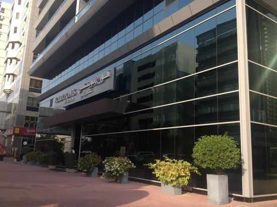 Four Points by Sheraton Sheikh Zayed Road, Dubai: Outside hotel