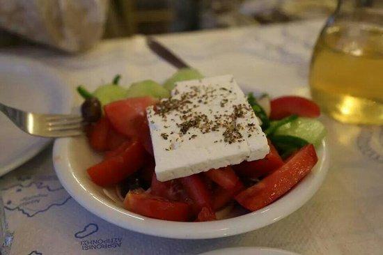 Taverna Giorgaros: Insalata greca
