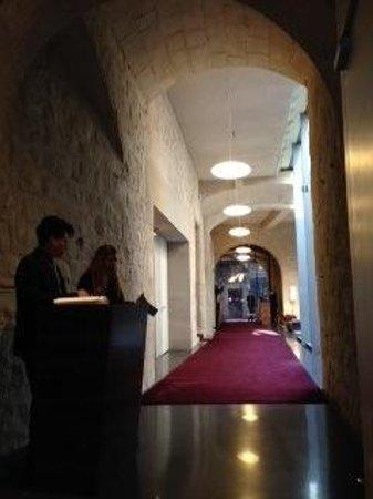 Mercer Hotel Barcelona: 5 star elaganxe in an alleyway