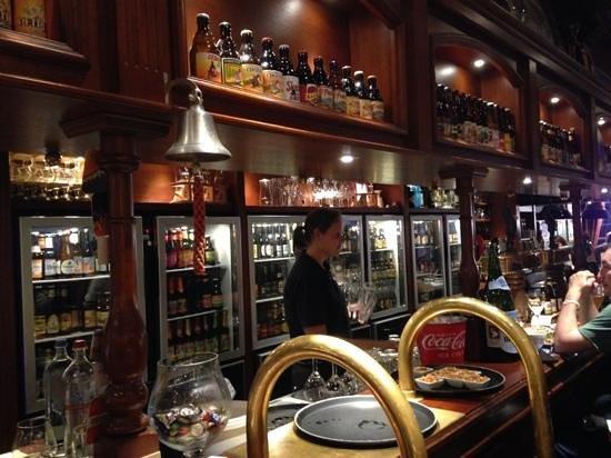 Бар kwak pub