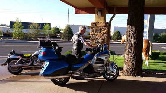 BEST WESTERN Pony Soldier Inn & Suites: Both bikes
