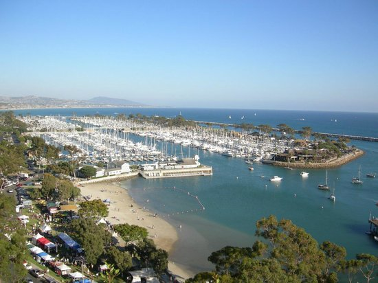 BEST WESTERN PLUS Marina Shores Hotel : beautiful view and just around the corner...Dana Point Harbor is a great place to spend the day!