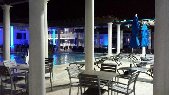 Clarion Inn: Pool