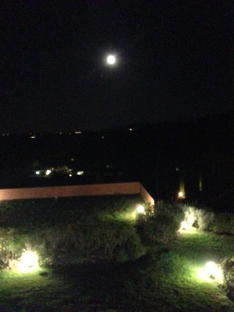 Guardastelle: Moon was so bright! View from our room