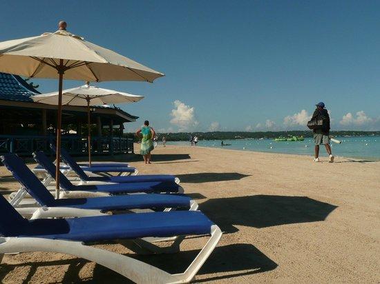 Negril Tree House Resort : beach