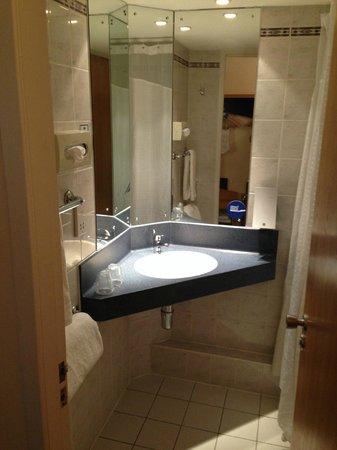 Holiday Inn Express Strathclyde Park M74 Jct5: Room 233