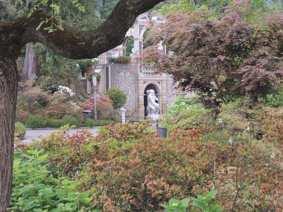 Grand Hotel Des Iles Borromees : gardens
