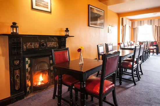 The Burren Hostel Open Fire In Dining Room