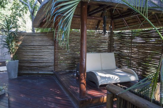 Naledi Game Lodges: LOUNGE ON DECK
