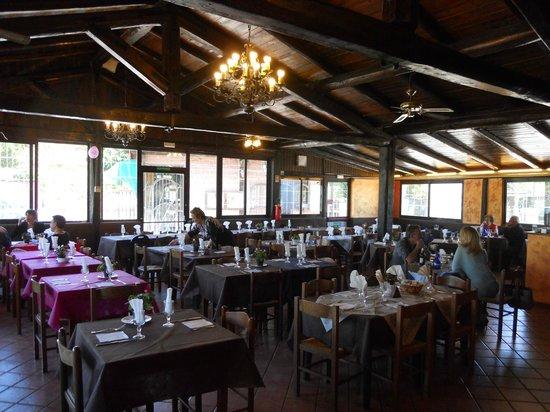 Coco's Pizza Pub: panoramica della sala