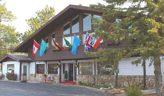 Bavarian Inn, Black Hills: Red Carpet at Entrance