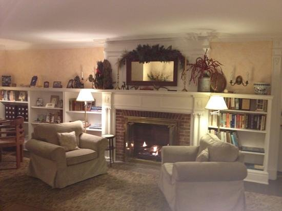 The Inn at Stockbridge: library set for the holidays