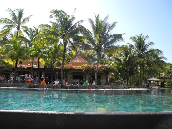 Mauricia Beachcomber Resort & Spa: Piscine 2