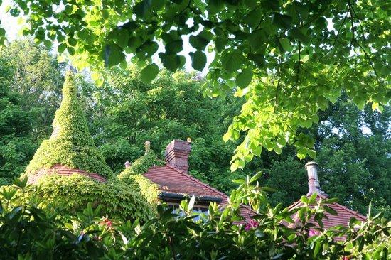 Knoops Park: Dach einer Villa