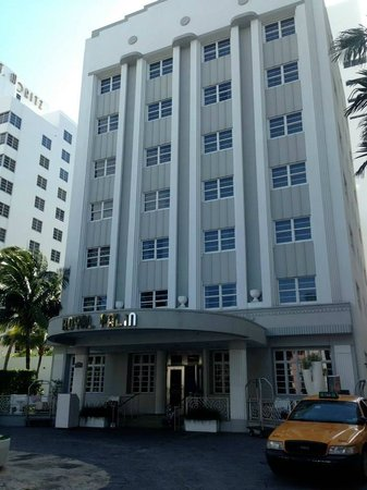 Royal Palm South Beach Miami, A Tribute Portfolio Resort: Front of hotel - not as small as it looks