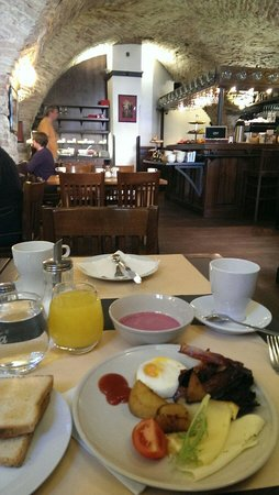 Archibald U Karlova Mostu : Breakfast