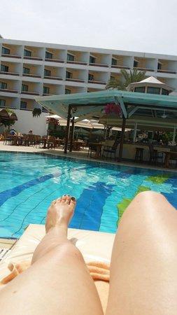 Constantinou Bros Pioneer Beach Hotel: Beaut