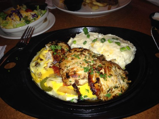 TGI Friday's: Sizzling chicken & Cheese entree