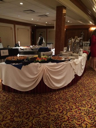The Norwalk Inn & Conference Center: beauty & the bubbly