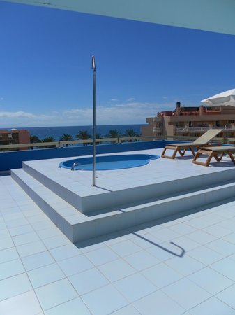 Mediterranean Palace Hotel: Balcony of suite with a pool