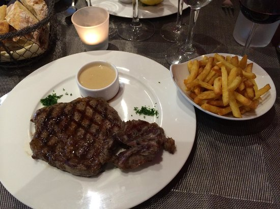 La Petite Tour : The star of the meal.  Perfectly seasoned, incredibly tender & flavorful steak (fries were aweso