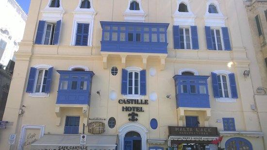 Castille Hotel: FRENTE DO HOTEL CASTILLE