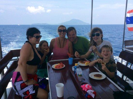 Ocean Geo Diving & Tours: mmmmmm........pancakes