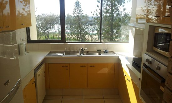 Seacrest Apartments : Kitchen with view