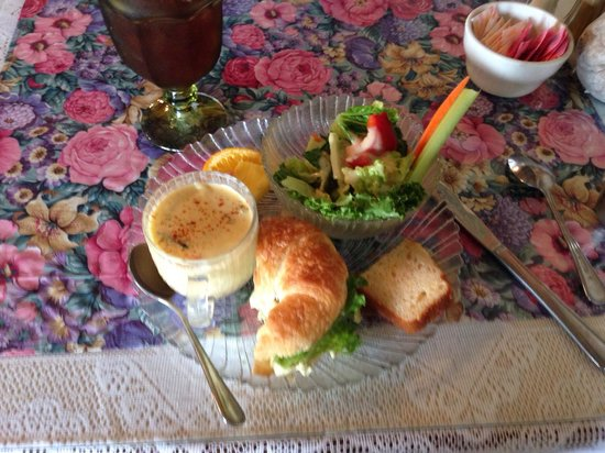 Emerald Tea Room: Clara Barton Platter