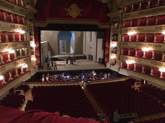 Scala de Milan (Teatro alla Scala) : lindo