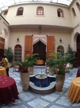 Riad Andalib: The Courtyard again