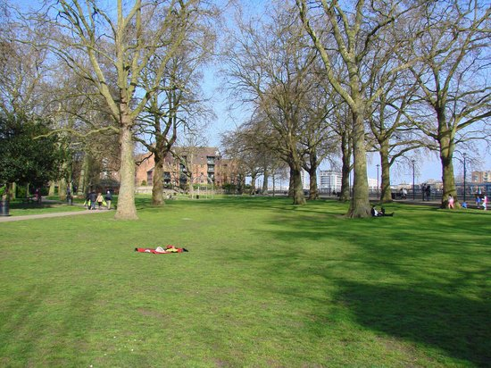 The top 10 things to do near university of greenwich london for Island garden