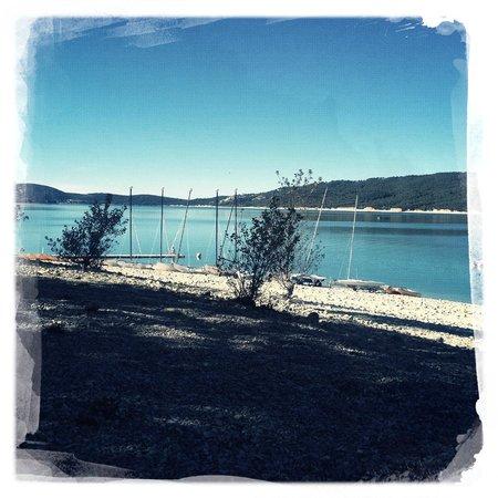 Les Cles du Verdon : Потрясающей красоты озеро