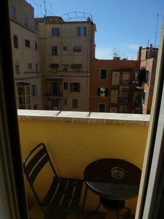 Hotel Lancelot: Little balcony.  So cute.