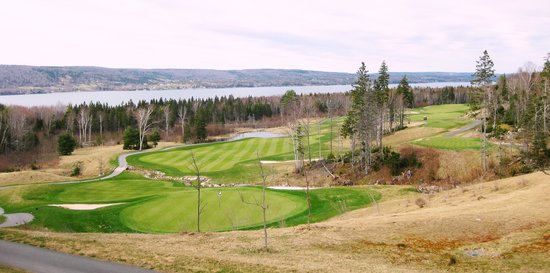 The Lakes Golf Club: One beautiful hole of many