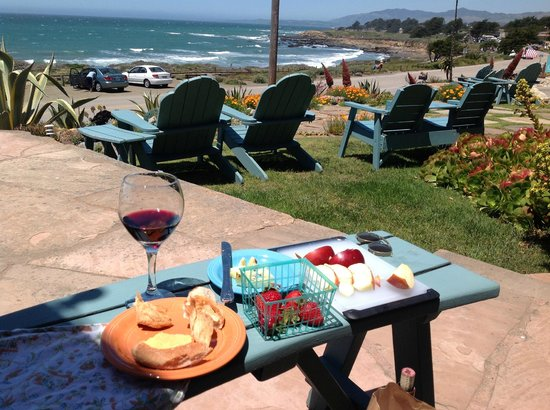 Cambria Shores Inn: Afternoon treat at Cambria Shores--I brought the wine