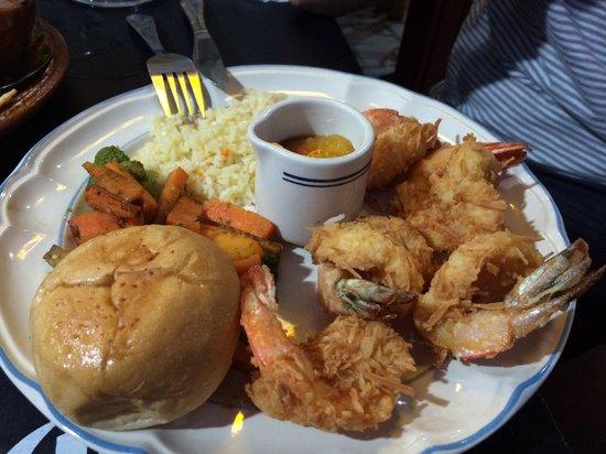 Abuelos: Crispy coconut shrimp