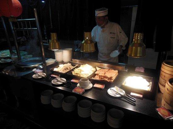 Cosmos Hotel Taipei: 目玉焼き、焼き加減はリクエストでOK