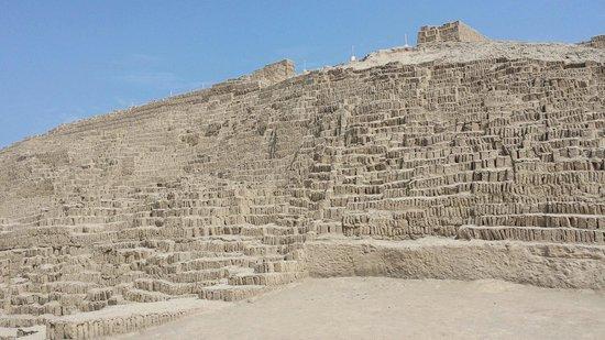 Huaca Pucllana: Huaca pullhana