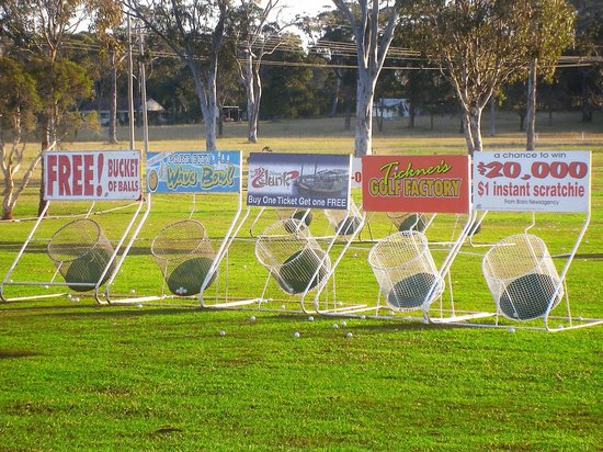 Port Macquarie Driving Range and Mini Golf: Great cash and prizes easily won