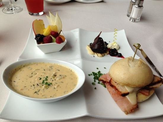 Beverly's: Chefs daily lunch special