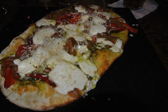 Green Valley Grill: flatbread pizza