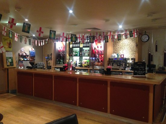 Britannia Bolton Hotel: Bar ready for the world cup!