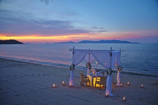 Bandara Resort Spa Private Dinner On The Beach